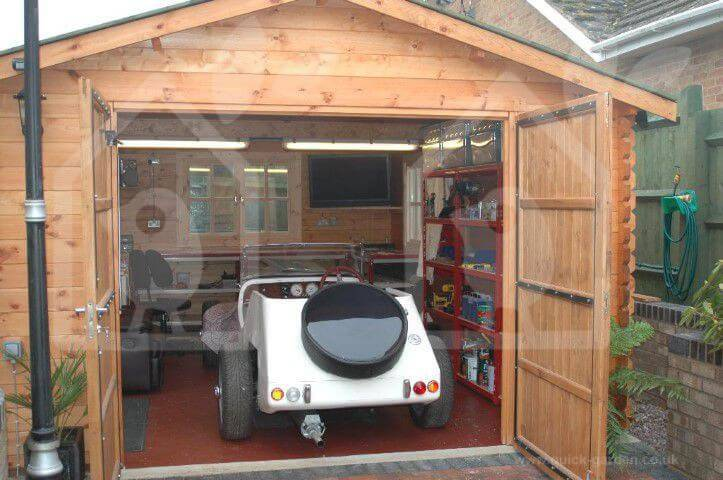The-popularity-of-wooden-garages-UK03051 (1)
