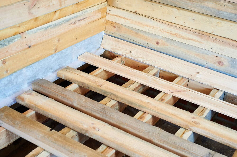 floor-joists-for-a-residential-log-cabin03153
