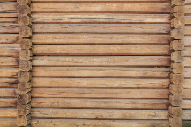 Logs-are-the-main-materials-of-a-wooden-house11292