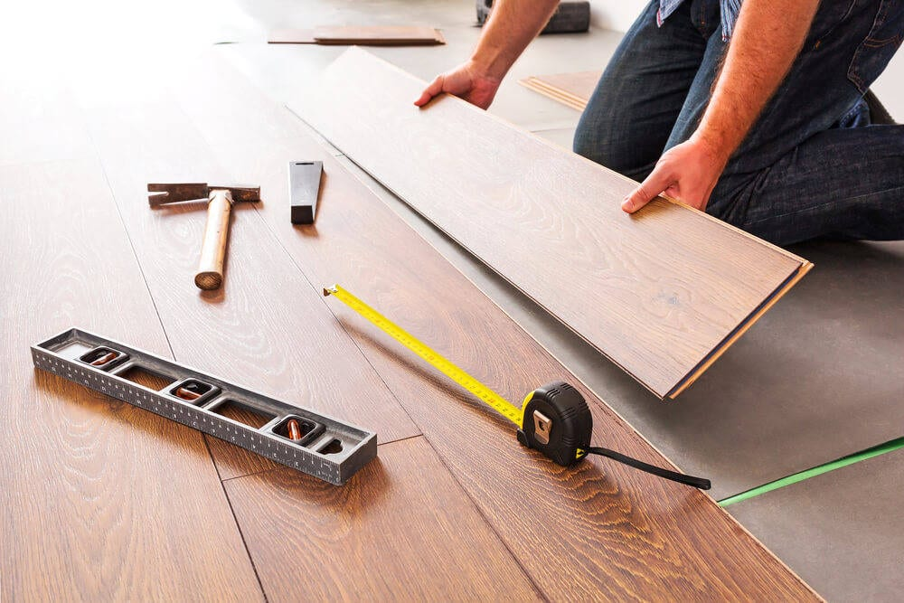 installing-new-floors-in-your-log-cabin03204