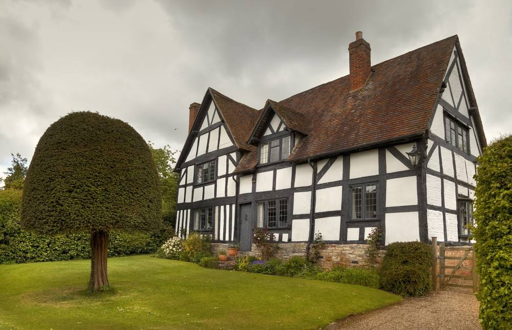 Tudor-wooden-houses-in-England24